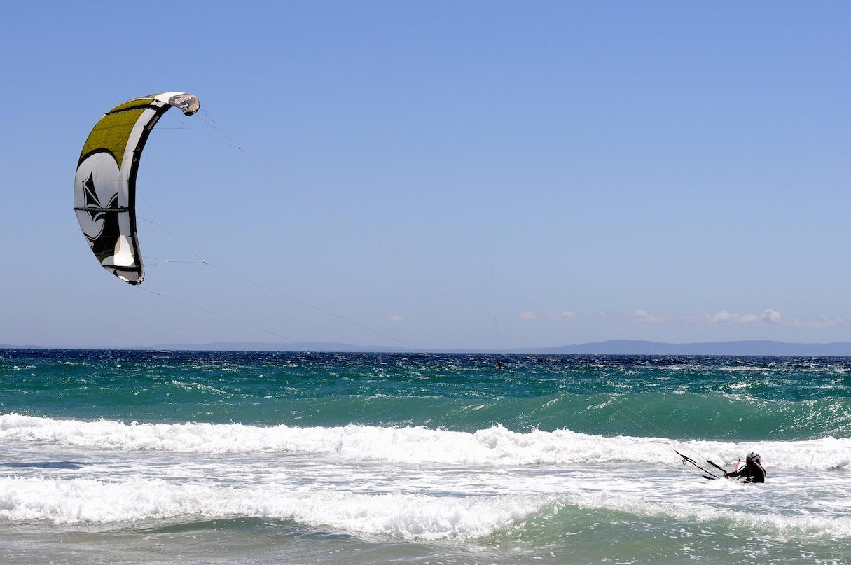 Kitesurfing body drag