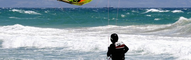 Learning Kitesurfing through Struggle