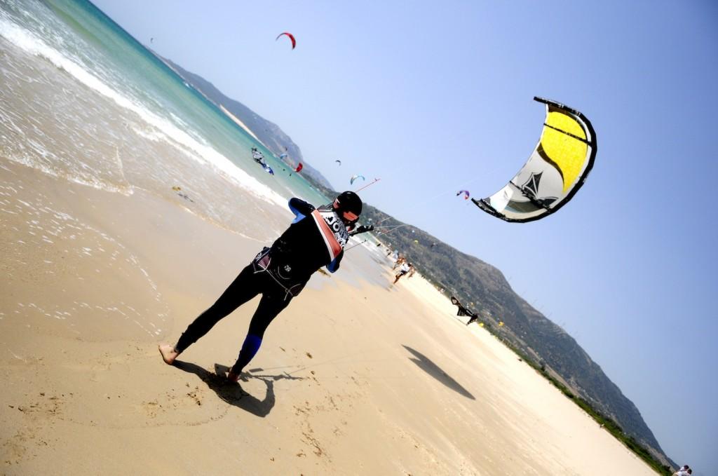Learning to Kitesurf The Hard Way!